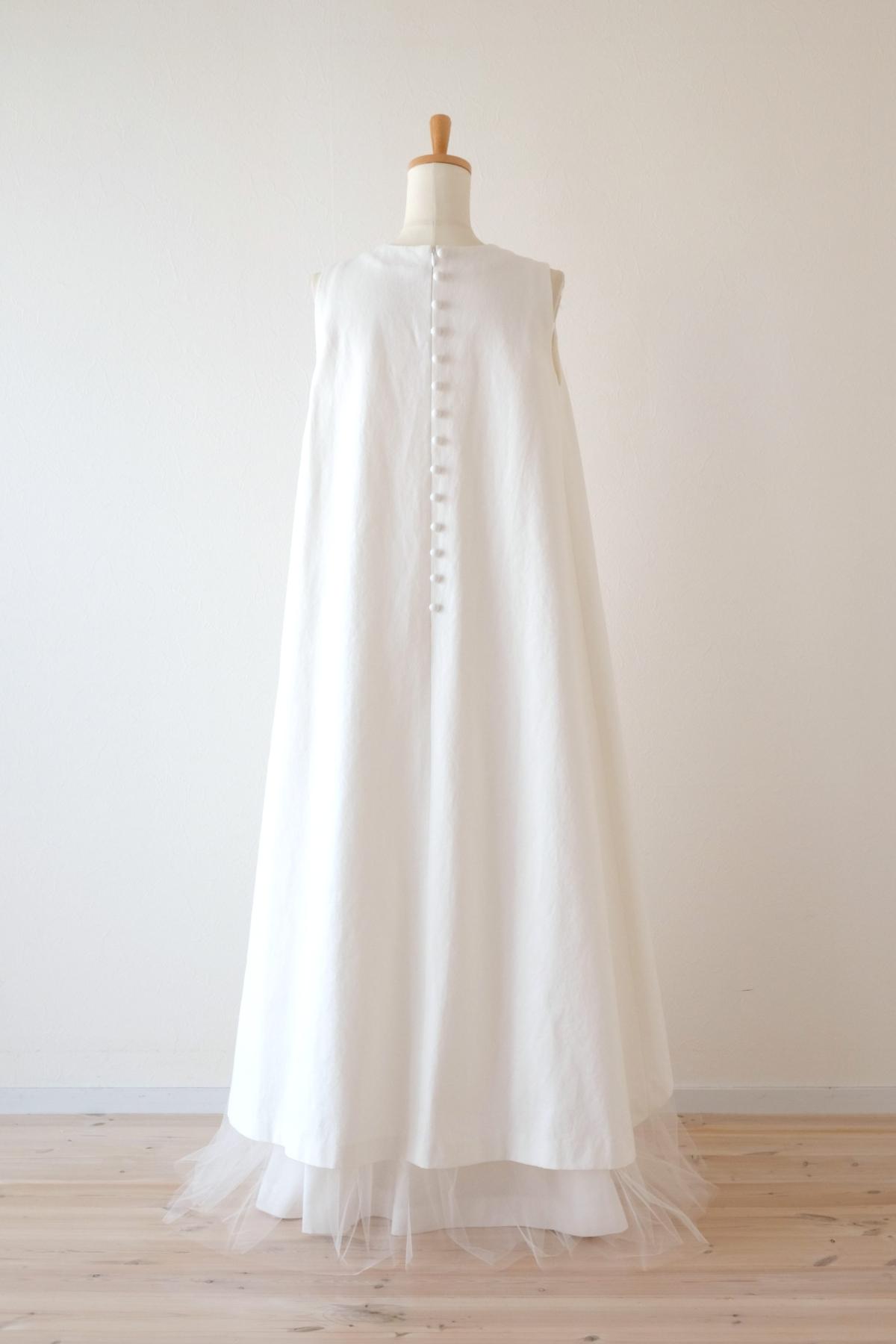 ホワイトデニムとチュールのドレス