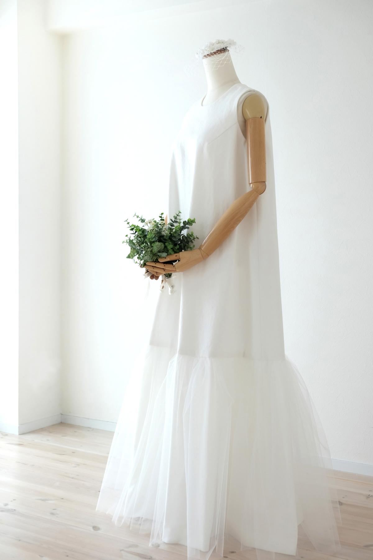 ホワイトデニムのドレス