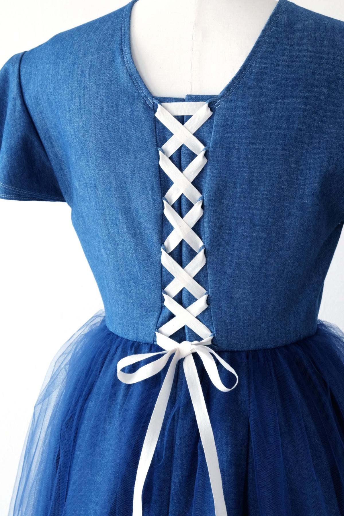 デニムのドレス